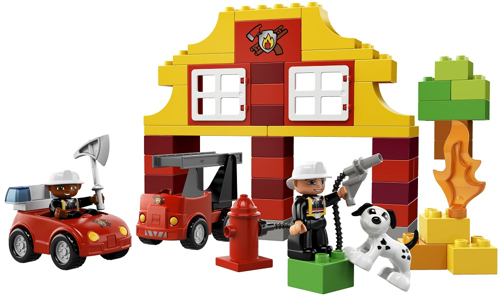 ma premi re caserne de pompiers lego duplo 6138. Black Bedroom Furniture Sets. Home Design Ideas