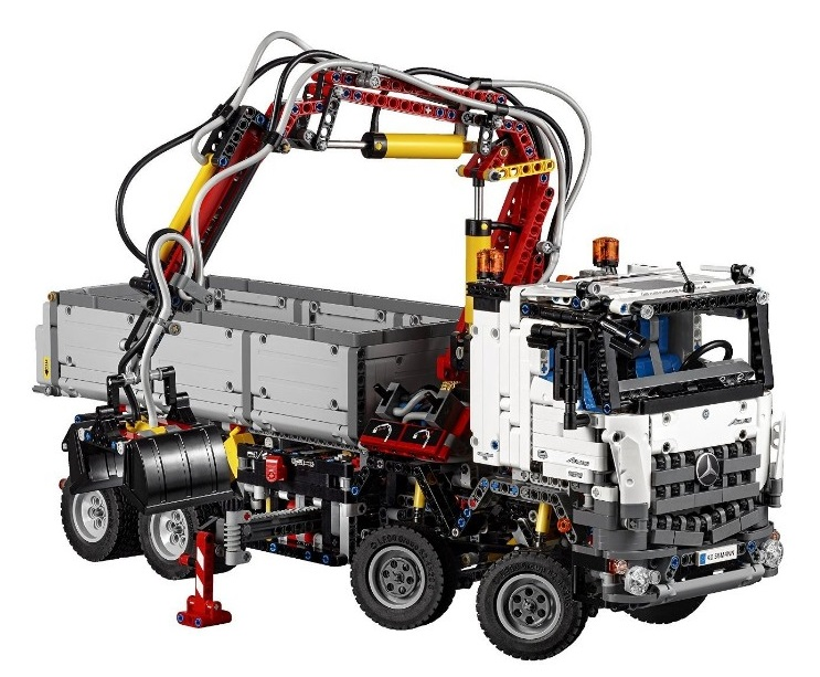 lego technic 42043 camion mercedes benz arocs 3245. Black Bedroom Furniture Sets. Home Design Ideas