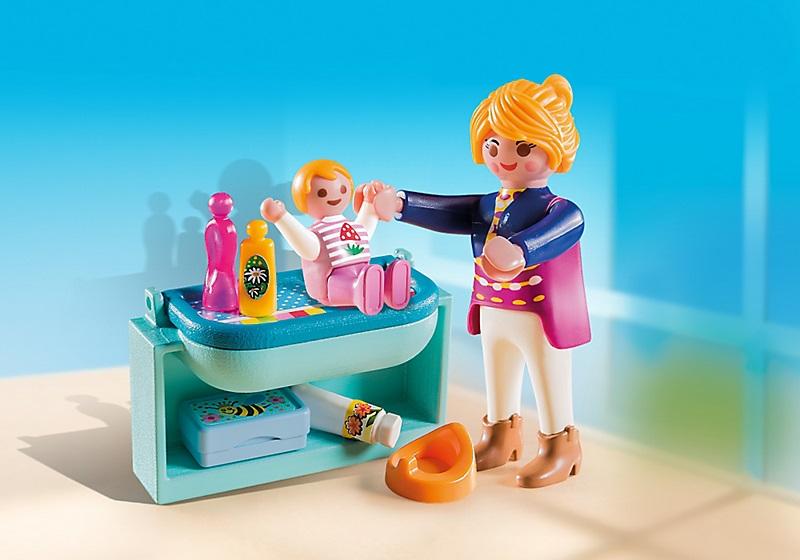 Maman avec b b et table langer playmobil 5368 pas cher for Playmobil chambre bebe